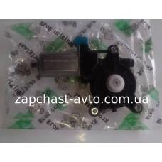 Мотор стеклоподьемника Лачетти передний левый GROG
